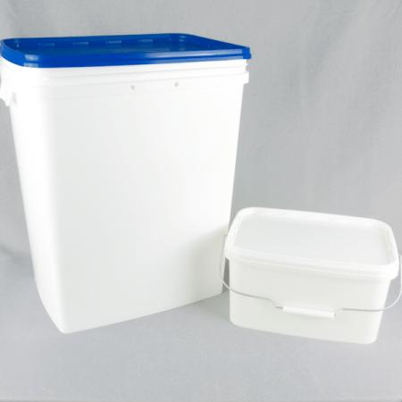 Rectangular plastic bucket